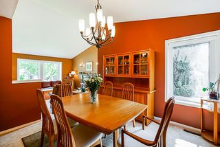 """Photo 4: 8034 150 Street in Surrey: Bear Creek Green Timbers House for sale in """"Mourningside Estates"""" : MLS®# R2293254"""