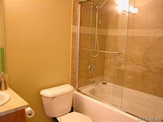Photo 8: 103 611 Goldstream Ave in VICTORIA: La Fairway Condo for sale (Langford)  : MLS®# 614570