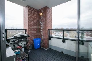 """Photo 7: 706 2689 KINGSWAY in Vancouver: Collingwood VE Condo for sale in """"SKYWAY TOWER"""" (Vancouver East)  : MLS®# R2146581"""