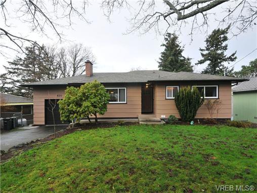 Main Photo: 820 Elrick Pl in VICTORIA: Es Rockheights House for sale (Esquimalt)  : MLS®# 688283