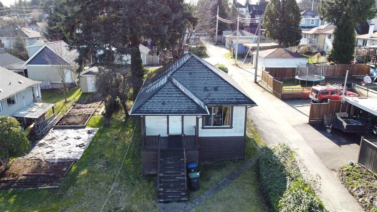 Main Photo: 122 8TH Avenue in New Westminster: GlenBrooke North House for sale : MLS®# R2551140