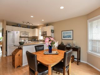 Photo 11: 16 2010 20th St in COURTENAY: CV Courtenay City Row/Townhouse for sale (Comox Valley)  : MLS®# 795658