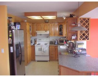 Photo 3: 1717 YMCA Road in Gibsons: Gibsons & Area House for sale (Sunshine Coast)  : MLS®# V698561