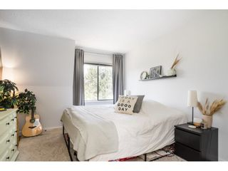"""Photo 14: 302 1720 SOUTHMERE Crescent in White Rock: Sunnyside Park Surrey Condo for sale in """"Capstan Way"""" (South Surrey White Rock)  : MLS®# R2602939"""
