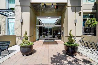 """Photo 3: 2006 989 RICHARDS Street in Vancouver: Downtown VW Condo for sale in """"The Mondrian I"""" (Vancouver West)  : MLS®# R2592338"""