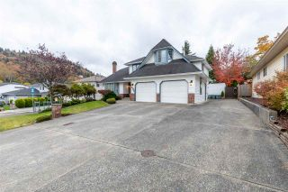 "Photo 2: 3043 CASSIAR Avenue in Abbotsford: Abbotsford East House for sale in ""Glenridge/McMillan"" : MLS®# R2413862"