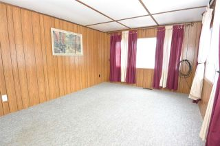 """Photo 5: 21 95 LAIDLAW Road in Smithers: Smithers - Rural Manufactured Home for sale in """"MOUNTAIN VIEW MOBILE HOME PARK"""" (Smithers And Area (Zone 54))  : MLS®# R2256996"""