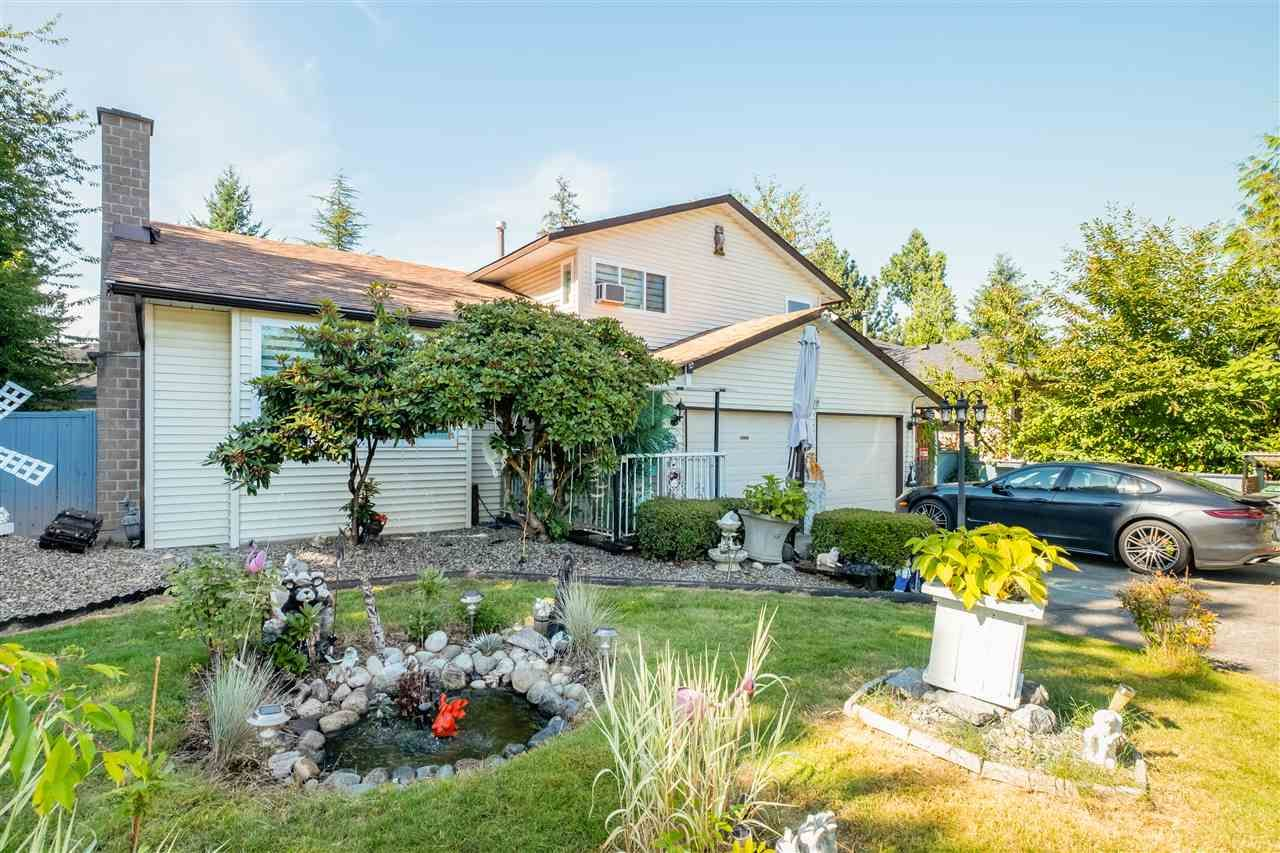"""Main Photo: 15667 101 Avenue in Surrey: Guildford House for sale in """"Somerset"""" (North Surrey)  : MLS®# R2481951"""