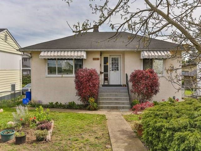 Main Photo: 7280 STRIDE Avenue in Burnaby: Edmonds BE House for sale (Burnaby East)  : MLS®# R2055665