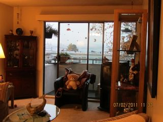 Photo 2: 211 360 2ND Street E in North Vancouver: Home for sale : MLS®# V917487