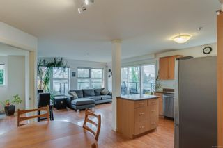 Photo 2: 302 2940 Harriet Rd in : SW Gorge Condo for sale (Saanich West)  : MLS®# 859049