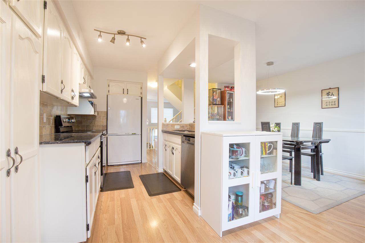 """Photo 7: Photos: C 3374 SEFTON Street in Port Coquitlam: Glenwood PQ Townhouse for sale in """"SEFTON MANOR"""" : MLS®# R2456202"""