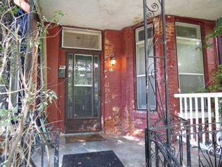 Photo 2: 52 Wales Avenue in Toronto: Kensington-Chinatown House (2 1/2 Storey) for sale (Toronto C01)  : MLS®# C4942139