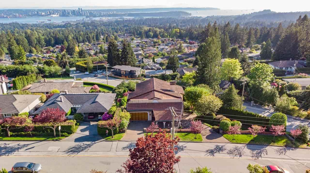 Photo 39: Photos: 385 MONTERAY Avenue in North Vancouver: Upper Delbrook House for sale : MLS®# R2582994