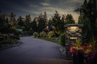 """Photo 3: 22041 86A Avenue in Langley: Fort Langley House for sale in """"TOPHAM ESTATES"""" : MLS®# R2570314"""