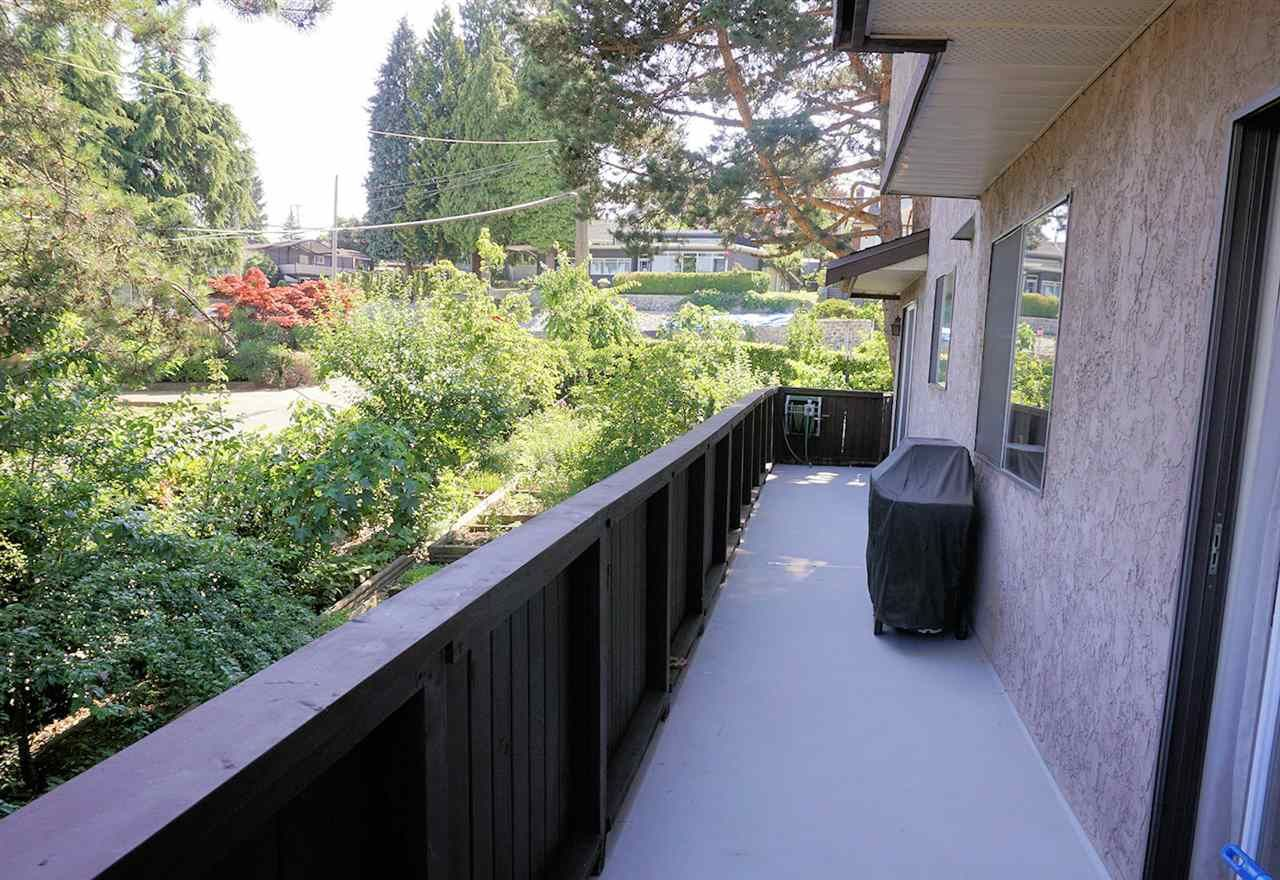 """Photo 12: Photos: 420 RICHMOND Street in New Westminster: The Heights NW House for sale in """"THE HEIGHTS"""" : MLS®# R2186347"""