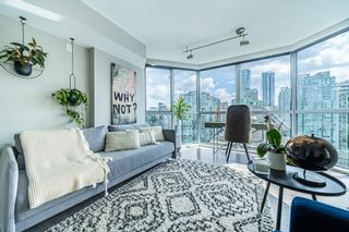Photo 3: 2403 1415 W GEORGIA STREET in Vancouver: Coal Harbour Condo for sale (Vancouver West)  : MLS®# R2612819