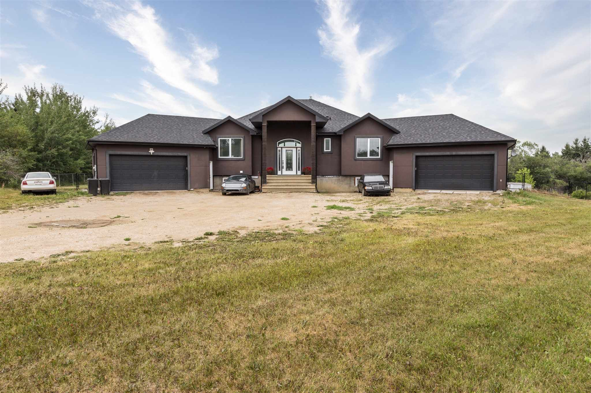 Main Photo: 24 54030 RGE RD 274: Rural Parkland County House for sale : MLS®# E4255483