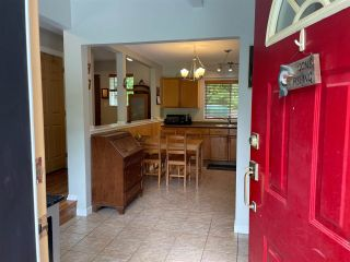 Photo 3: 5747 NAYLOR Road in Sechelt: Sechelt District House for sale (Sunshine Coast)  : MLS®# R2592089