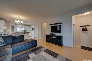 Photo 4: 450 Rutherford Crescent in Saskatoon: Sutherland Residential for sale : MLS®# SK865413