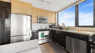 """Photo 8: 801 258 SIXTH Street in New Westminster: Uptown NW Condo for sale in """"258 Sixth Street"""" : MLS®# R2516378"""