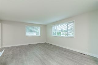 "Photo 6: 241 1840 160 Street in Surrey: King George Corridor Manufactured Home for sale in ""Breakaway Bays"" (South Surrey White Rock)  : MLS®# R2555969"