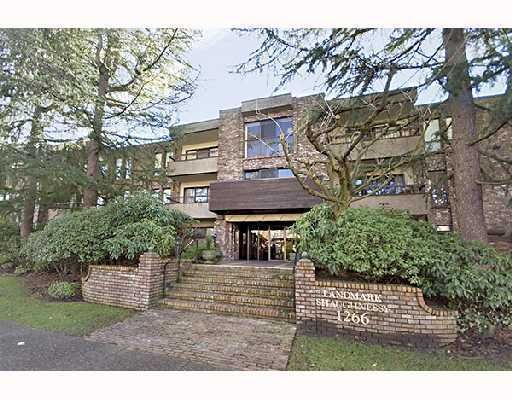 """Main Photo: 203 1266 W 13TH Avenue in Vancouver: Fairview VW Condo for sale in """"SHAUGHNESSY LANDMARK"""" (Vancouver West)  : MLS®# V793866"""