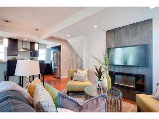 Photo 11: 1049 REGAL Crescent NE in Calgary: Renfrew_Regal Terrace House for sale : MLS®# C4013292