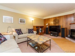 Photo 5: 425 Tipton Ave in VICTORIA: Co Wishart South House for sale (Colwood)  : MLS®# 753369