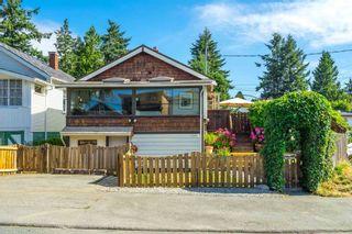 Photo 2: 15591 VICTORIA Avenue: House for sale in White Rock: MLS®# R2604648