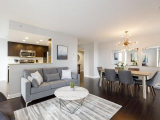Photo 2: 2003 867 HAMILTON STREET in Vancouver: Downtown VW Condo for sale (Vancouver West)  : MLS®# R2519706