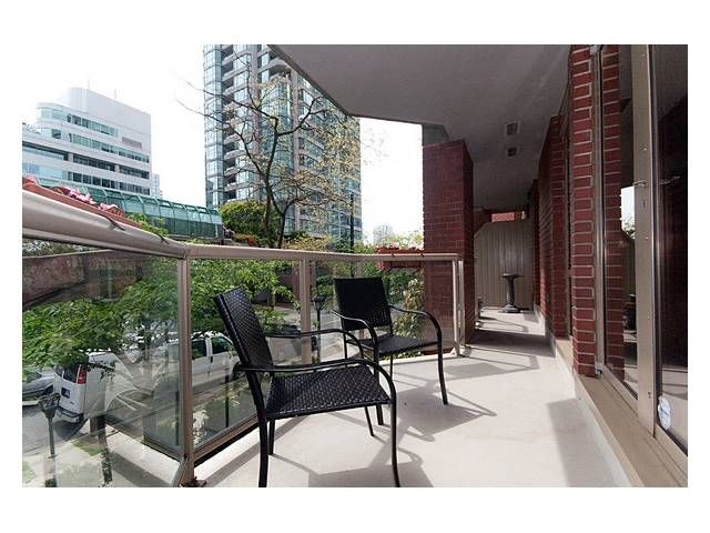 """Photo 10: Photos: 105 867 HAMILTON Street in Vancouver: Downtown VW Townhouse for sale in """"JARDINES LOOKOUT"""" (Vancouver West)  : MLS®# V832897"""
