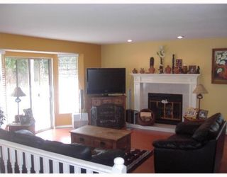 Photo 2: 1717 YMCA Road in Gibsons: Gibsons & Area House for sale (Sunshine Coast)  : MLS®# V698561