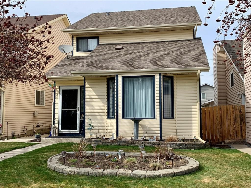 Main Photo: 1126 MILLCREST Rise SW in Calgary: Millrise Detached for sale : MLS®# C4243967