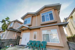 Photo 1: 2388 CAMBRIDGE Street in Vancouver: Hastings 1/2 Duplex for sale (Vancouver East)  : MLS®# R2418192