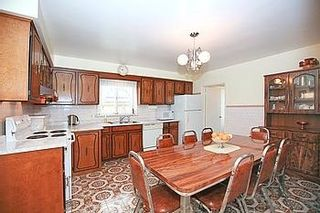 Photo 3: 23 Hancock Crest in Toronto: Wexford-Maryvale House (Bungalow) for sale (Toronto E04)  : MLS®# E3063654
