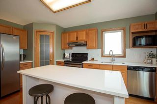 Photo 7: 1143 Fairfield Avenue in Winnipeg: Fairfield Park Residential for sale (1S)  : MLS®# 202117938