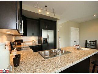 Photo 5: 2 7332 194A Street in Surrey: Clayton Townhouse for sale (Cloverdale)  : MLS®# F1019086