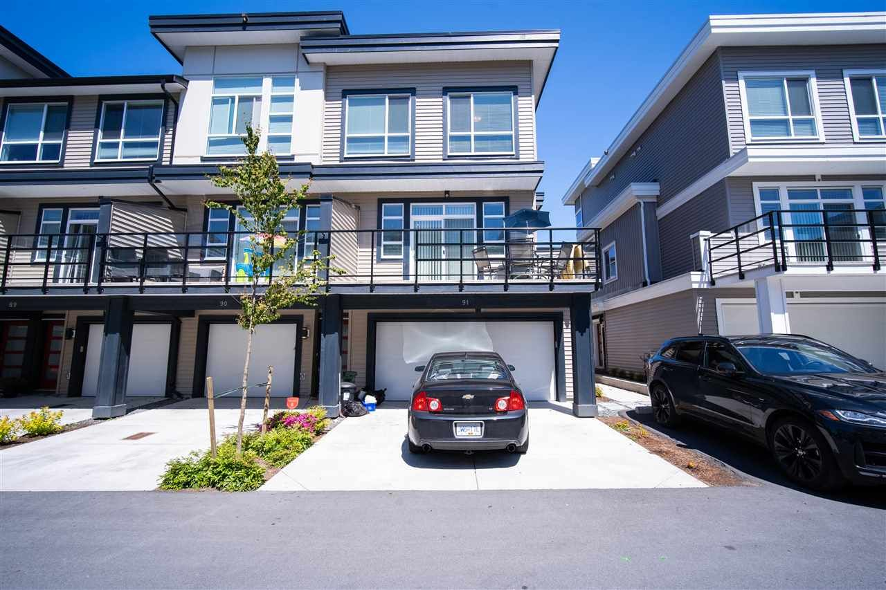 """Main Photo: 91 8413 MIDTOWN Way in Chilliwack: Chilliwack W Young-Well Townhouse for sale in """"MIDTOWN"""" : MLS®# R2540807"""