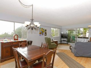 """Photo 9: 205 910 FIFTH Avenue in New Westminster: Uptown NW Condo for sale in """"Grosvenor Court"""" : MLS®# R2426702"""