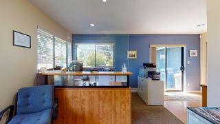Photo 13: 5587 INLET Avenue in Sechelt: Sechelt District House for sale (Sunshine Coast)  : MLS®# R2583148