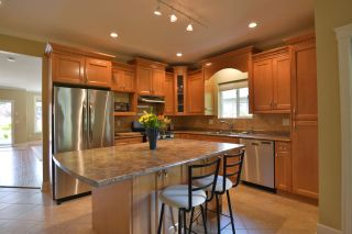 Photo 9: 866 AURORA Way in Gibsons: Gibsons & Area House for sale (Sunshine Coast)  : MLS®# R2387004