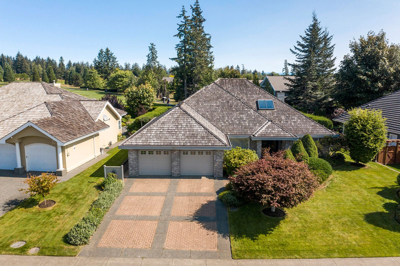 Main Photo: 970 Crown Isle Dr in : CV Crown Isle House for sale (Comox Valley)  : MLS®# 854847
