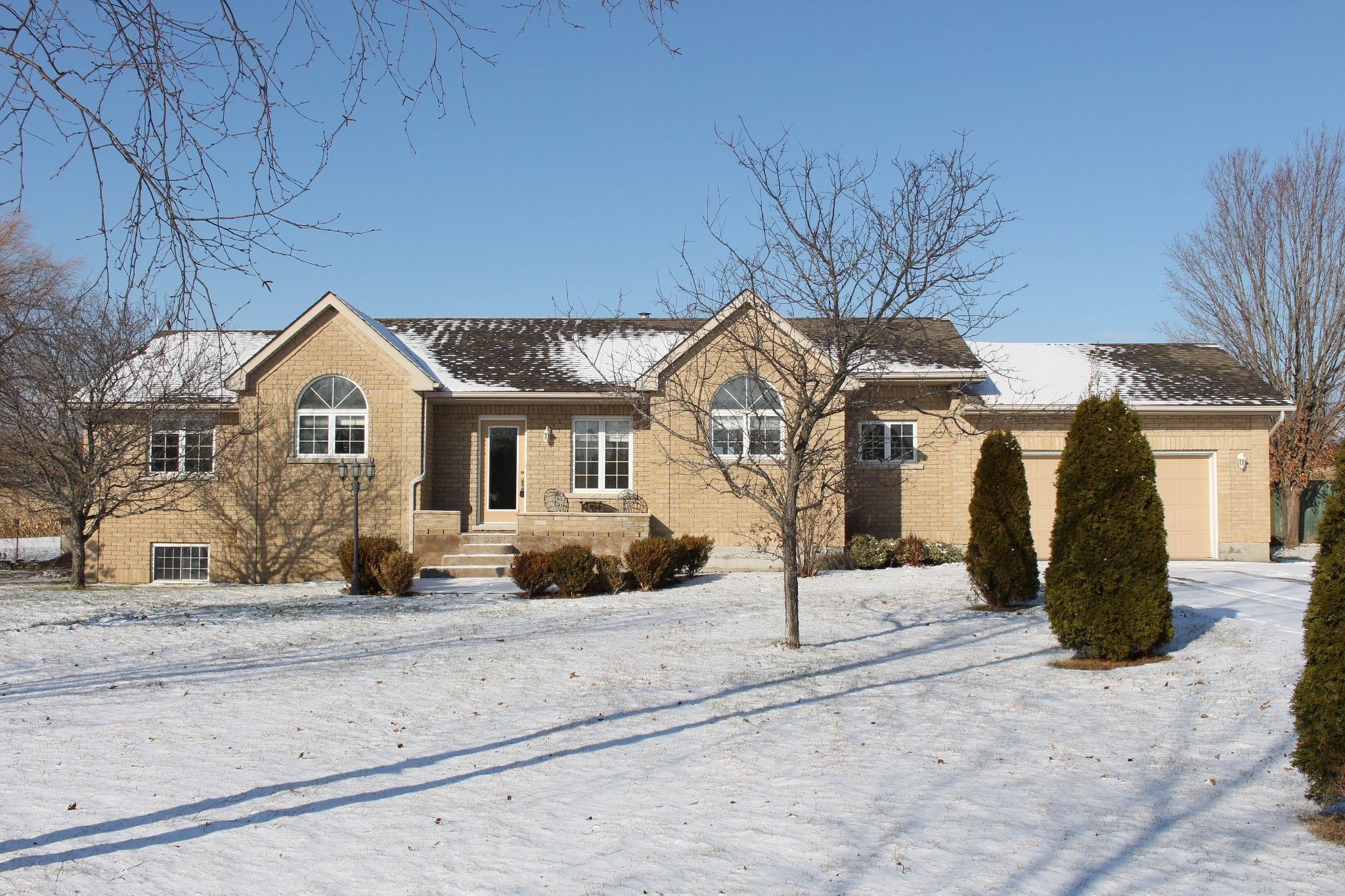 Main Photo: 8524 Dale Rd in Hamilton Twp: House for sale : MLS®# 236443