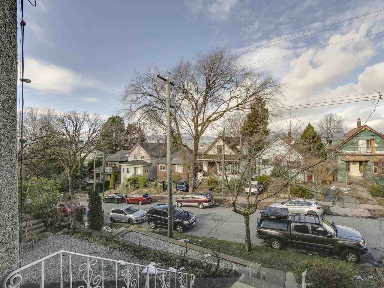 """Photo 4: Photos: 1550 GRANT Street in Vancouver: Grandview Woodland House for sale in """"GRANVIEW"""" (Vancouver East)  : MLS®# R2539844"""