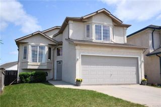 Photo 1: 3 Montvale Crescent in Winnipeg: Royalwood Residential for sale (2J)  : MLS®# 1815274