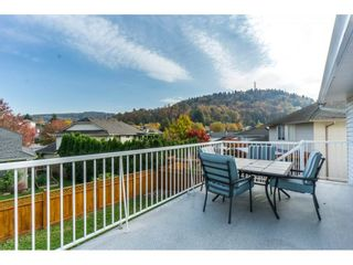 Photo 2: 3054 CASSIAR Avenue in Abbotsford: Abbotsford East House for sale : MLS®# R2318969