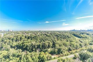 Photo 16: Ph 5 60 Pavane Linkway Way in Toronto: Flemingdon Park Condo for sale (Toronto C11)  : MLS®# C3573843