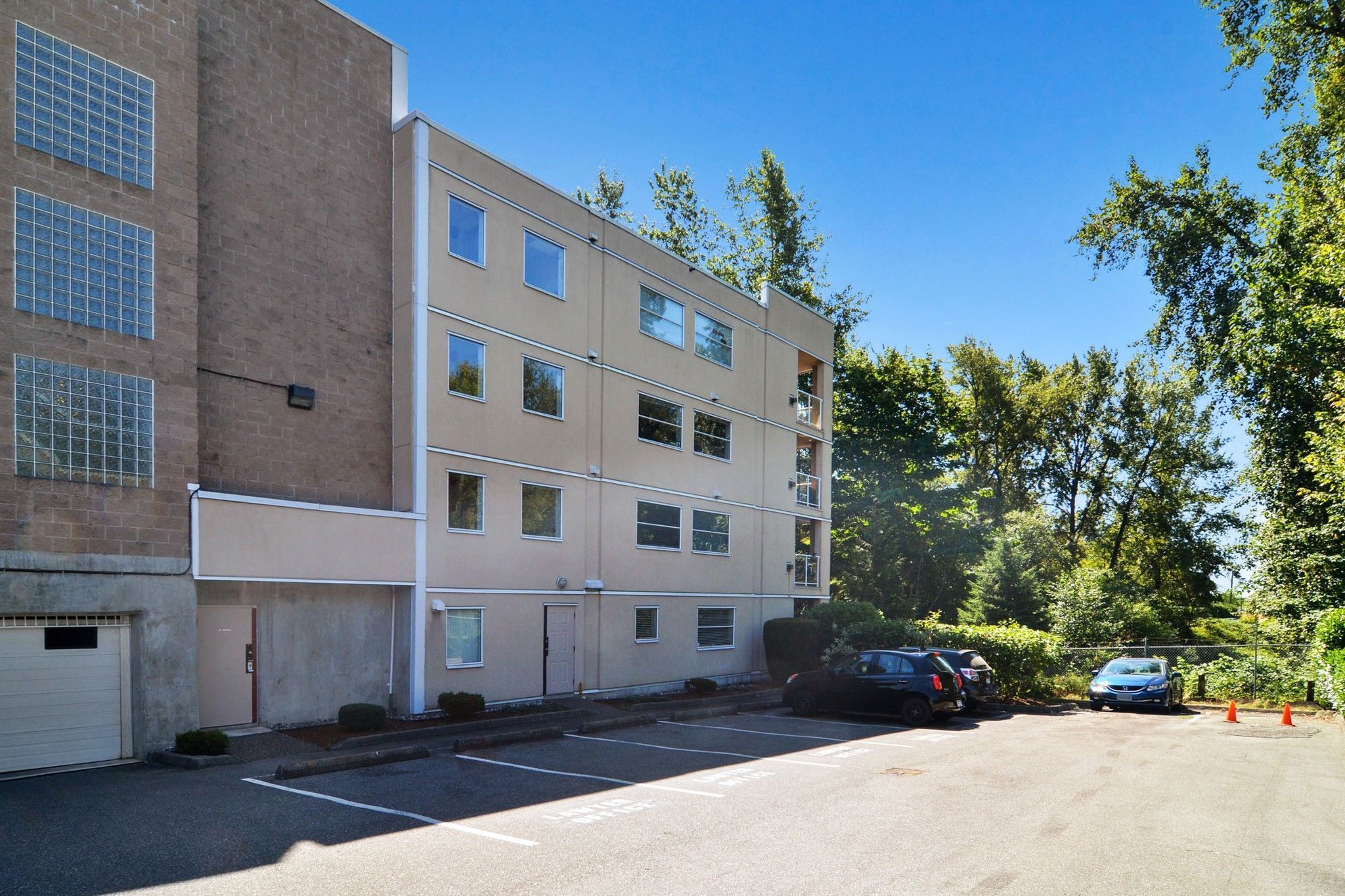 """Main Photo: 302 22722 LOUGHEED Highway in Maple Ridge: East Central Condo for sale in """"MARK'S PLACE"""" : MLS®# R2602812"""