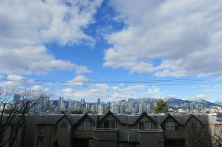 Photo 4: 305 728 W 8TH AVENUE in Vancouver: Fairview VW Condo for sale (Vancouver West)  : MLS®# R2396596